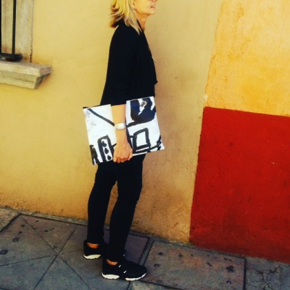 Photographer Elizabeth Watt + her Black Line Crazy zippered laptop sleever